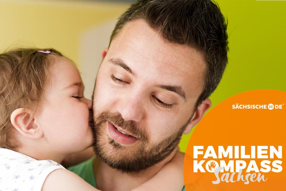 In Sachsen gingen 2017 52 Prozent der Väter in Elternzeit. Doch noch können viele Familien eher auf das Gehalt der Frauen verzichten.