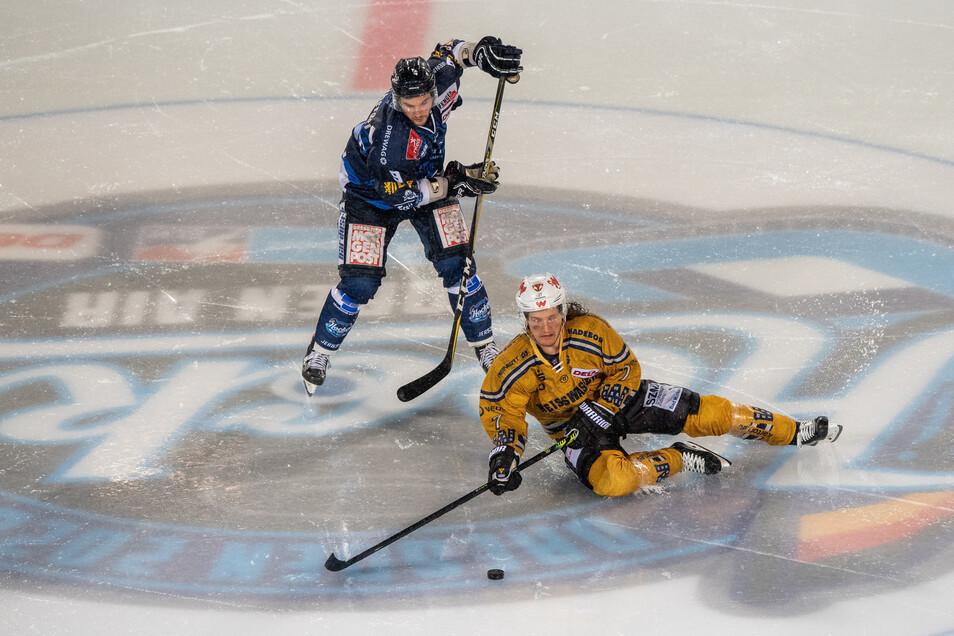 Dresdner Eislöwen und Lausitzer Füchse spielen auch in der nächsten Saison gegeneinander.