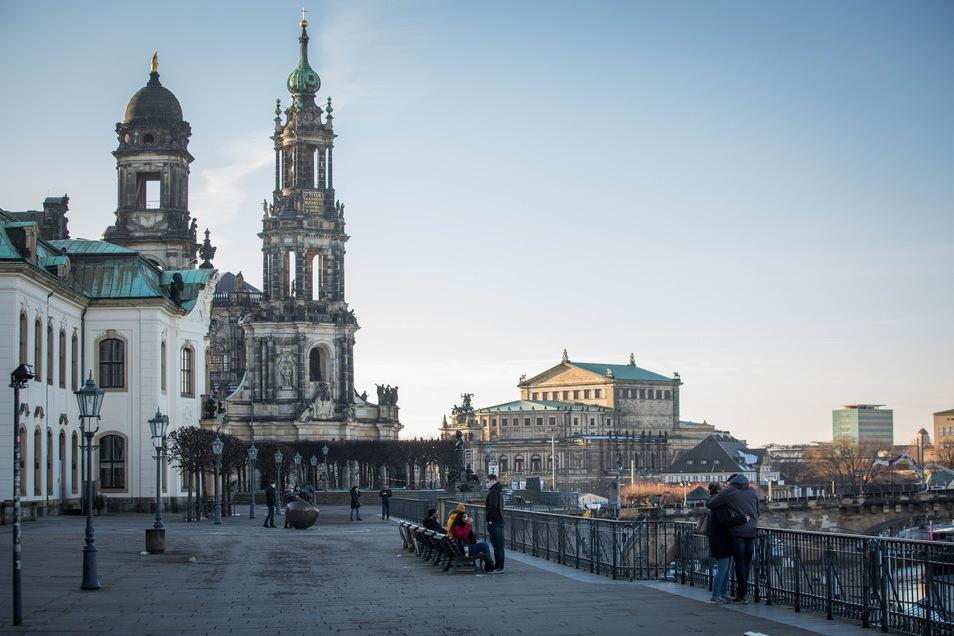 In Dresden sind nun mehr als 1.000 Menschen im Zusammenhang mit Corona verstorben.