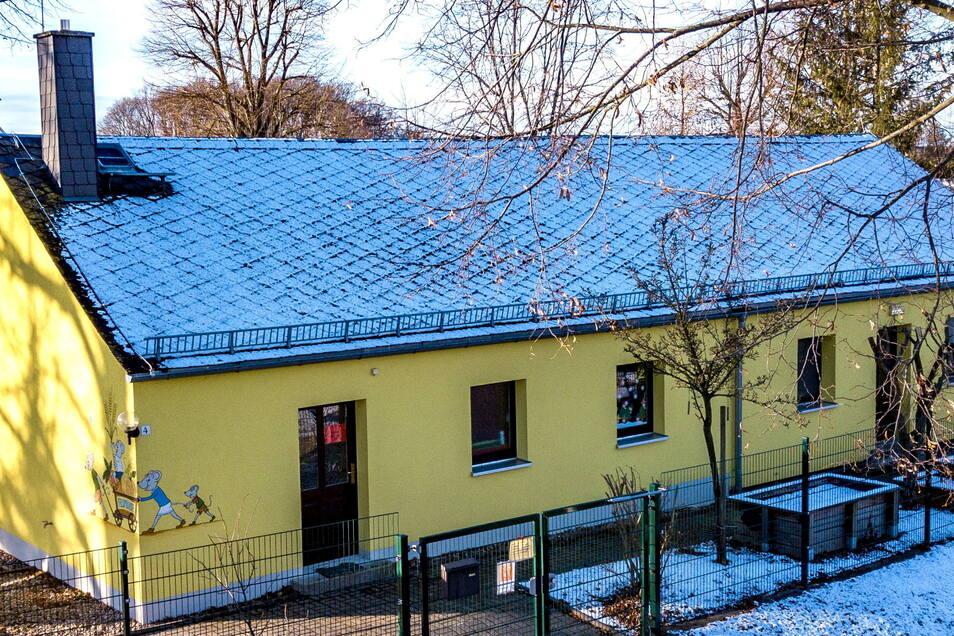 """Die Kindertagesstätte """"Feldmäuse"""" im Kriebsteiner Ortsteil Grünlichtenberg erhält einen Anbau. Bis zum 30. Juni 2022 sollen die Arbeiten abgeschlossen sein."""
