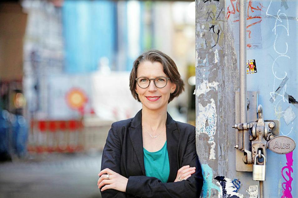 Professorin Julia Enxing, Professorin für Systematische Theologie