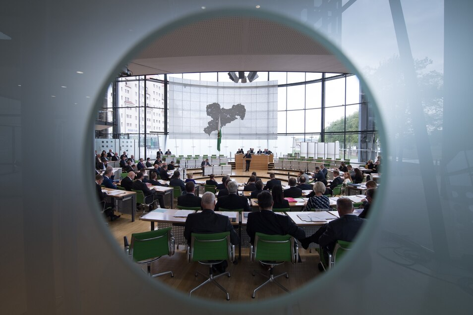 Der sächsische Landtag könnte im Notbetrieb tagen, damit nicht alle Abgeordneten im gleichen Raum sein müssen. Das verhindert die AfD.