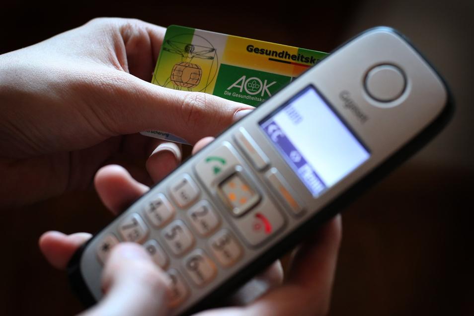 """Die Dauer einer telefonischen Krankschreibung soll demnach auf eine Woche begrenzt werden und könne """"bei fortdauernder Erkrankung"""" einmal verlängert werden."""