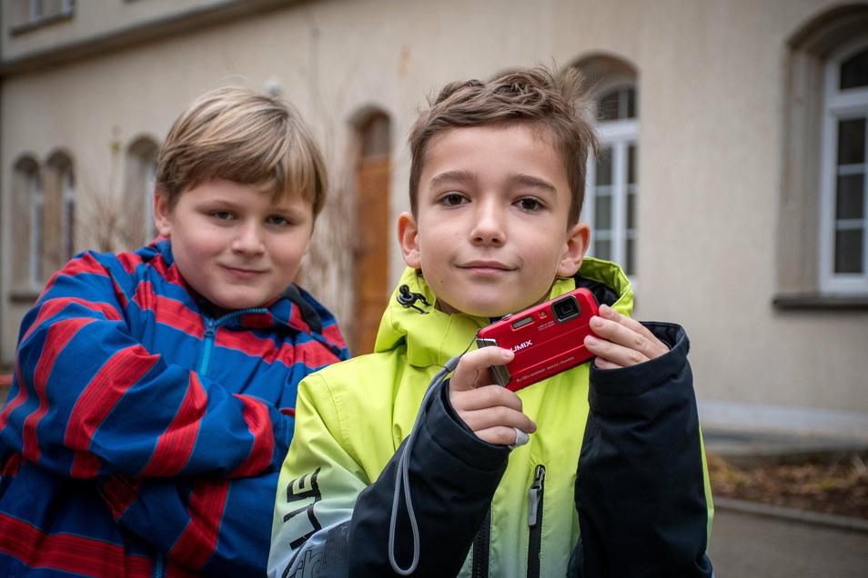 """Finley Magierski (links) und Leo Kampfenkel sind die Hauptdarsteller in demKurzfilm """"2020"""", mit dem die Waldheimer Lernförderschule einen erstem Platz beim Filmfestival """"Film ab!"""" belegte."""