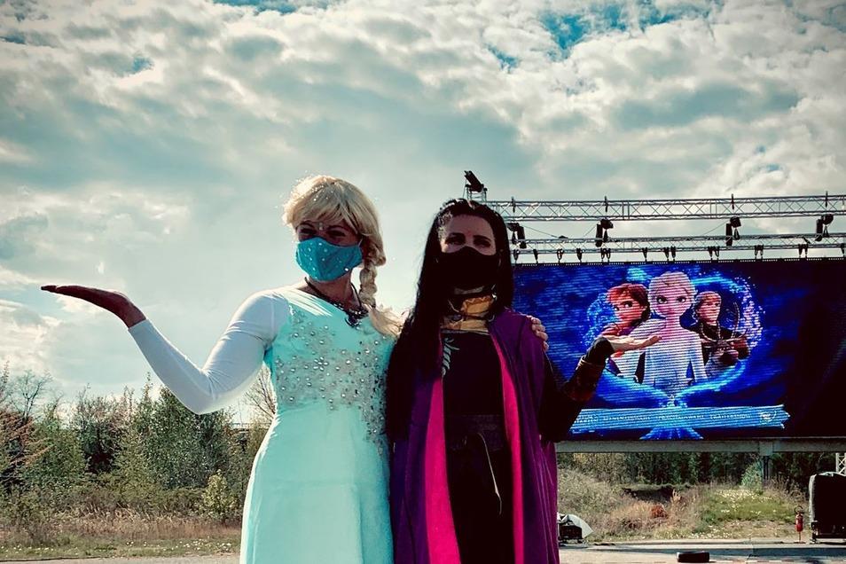 """Die strengen Regeln gelten auch bei Kinderfilmen. Zur Auflockerung waren bei """"Eiskönigin 2"""" in Görlitz Elsa und Anna mit dabei."""