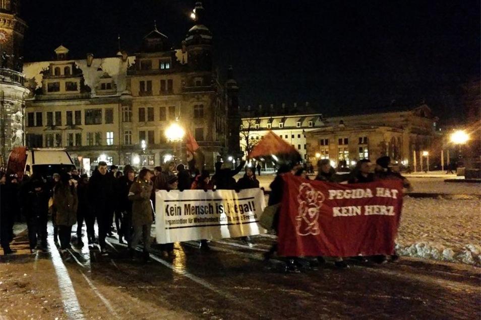 Gepida-Teilnehmer starteten am Theaterplatz zu ihrem Demonstrationszug.