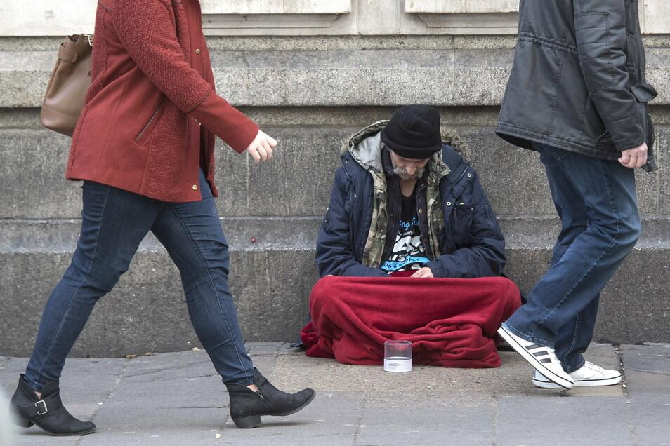 Die Kontaktbeschränkungen drängen Obdachlose noch weiter in die soziale Isolation, Vereinsamung und Ausgrenzung.