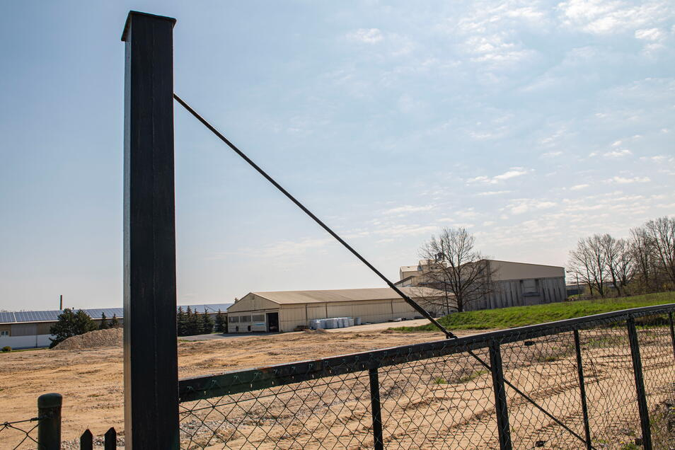 Am der Mülbitzer Straße ist schon Baufreiheit für die neuen Baywa-Hallen.
