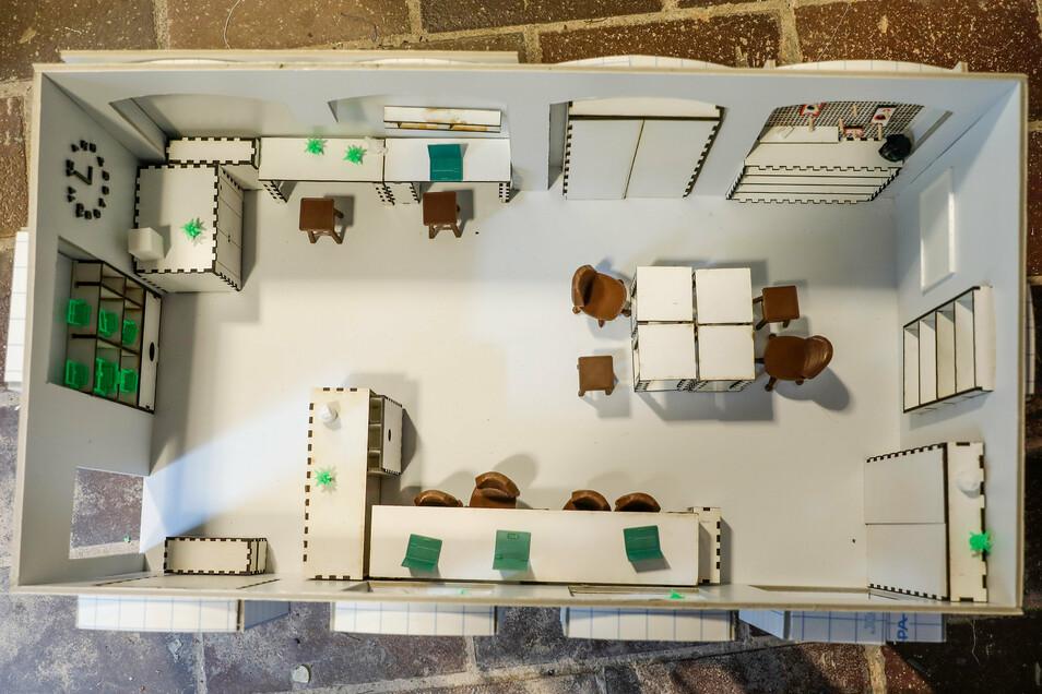 Am Mini-Modell aus dem 3-D-Drucker können die Tüftler sehen, wie die Möbel im Raum wirken.