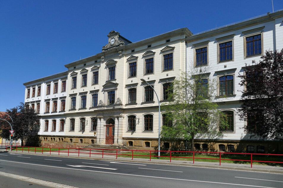 Alle Fenster der Körnerplatzschule sollen instandgesetzt werden.