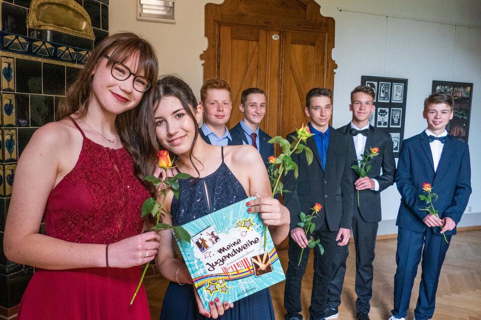 Statt mit der gesamten Klasse wurde am Sonnabend in Waldheim in kleinen Gruppen Jugendweihe gefeiert. Auch einige Schüler aus Hartha fuhren für ihren großen Tag in die Nachbarstadt.