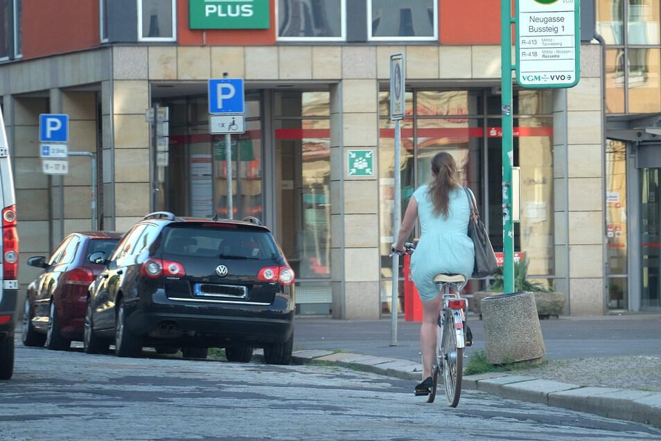 Radfahren in der Neugasse. Viele Meißner fühlen sich unsicher, wenn sie mit dem Rad in der Stadt unterwegs sind.
