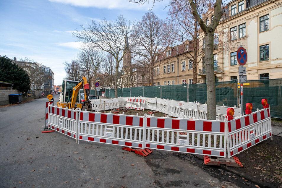 Stadtwerke-Baustelle an der Külzstraße in Pirna: Teile des Stadtgrabens tauchten bei der Buddelei nicht auf.