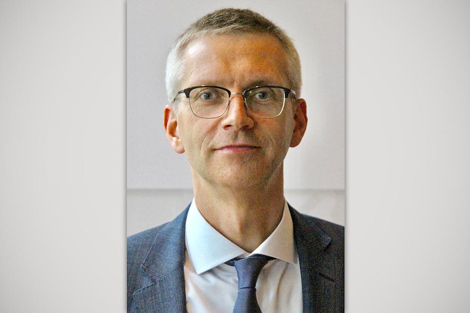 Dr. Karsten Schwipps ist seit 2018 Präsident der Notarkammer Sachsen. Die Ausbildung absolvierte er auch in Dresden.