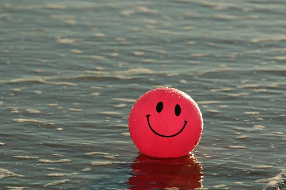 Freundlichkeit und Lächeln tut jedem gut. Was wir für andere tun, tun wir in diesem Fall auch für uns.