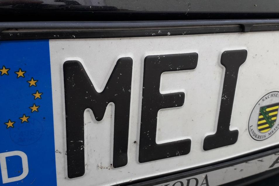 Wer in dieser Woche in Riesa sein Auto an- oder abmelden will, kann das nicht jeden Tag erledigen.