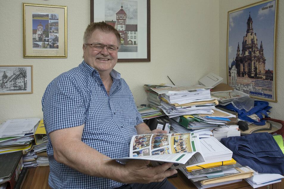 Der Bürgermeister von Bannewitz Christoph Fröse (parteilos) in seinem Büro in Possendorf.