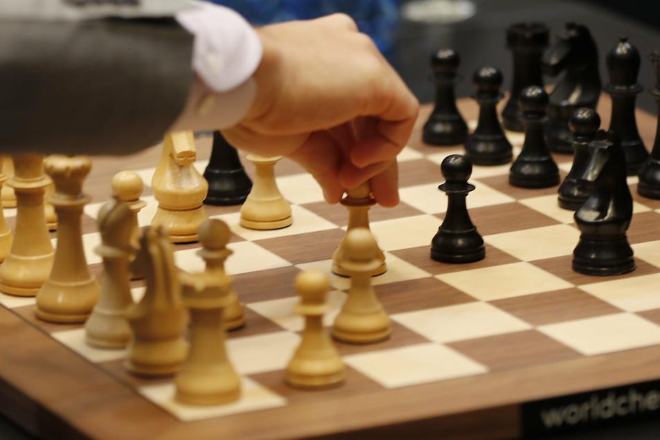 Weiß ist am Zug und Schach immer mehr im Kommen.