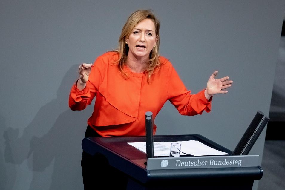 Caren Lay (Die Linke) sitzt für den Landkreis Bautzen im Deutschen Bundestag und ist dort stellvertretende Fraktionsvorsitzende ihrer Partei.