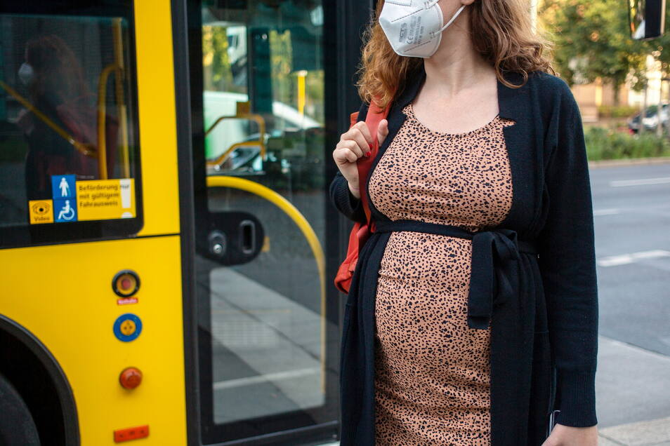 Die Ständige Impfkommission empfiehlt nun endgültig die Corona-Schutzimpfung für Schwangere und Stillende.