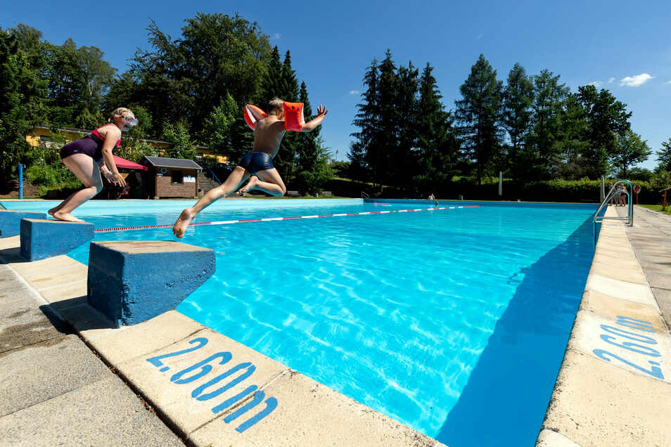 Stolpens Stadtbad lädt zum Sommerferienvergnügen ein.