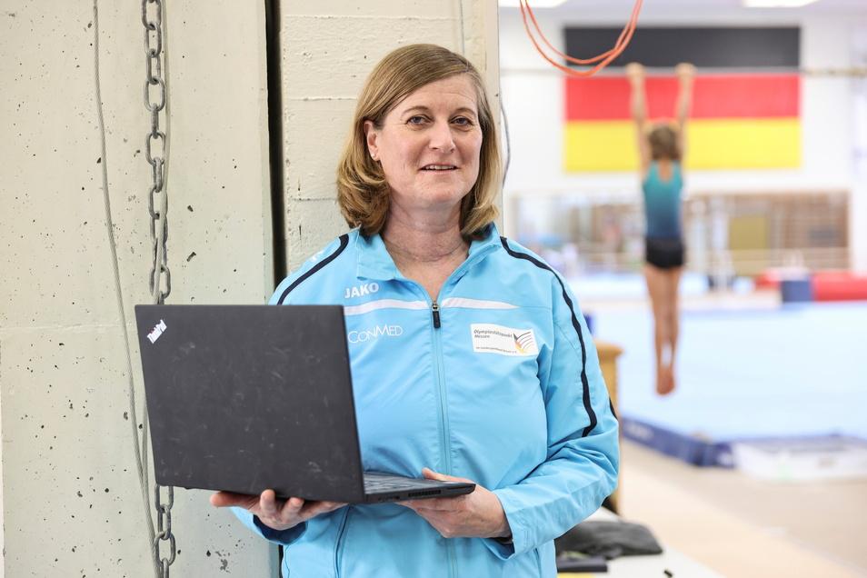Petra Nissinen betreut als Trainingswissenschaftlerin derzeit talentierte Turnerinnen bei einem Lehrgang in Frankfurt am Main - und äußert sich offen zur Chemnitzer Turnaffäre.