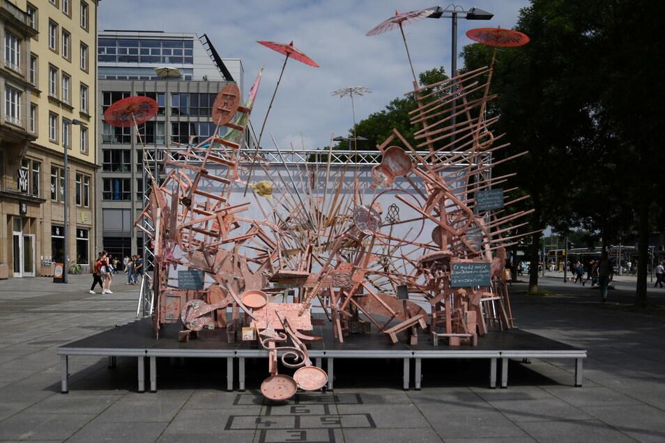 """""""Chaos Management"""" von Reinhard Zabka in Dresden."""