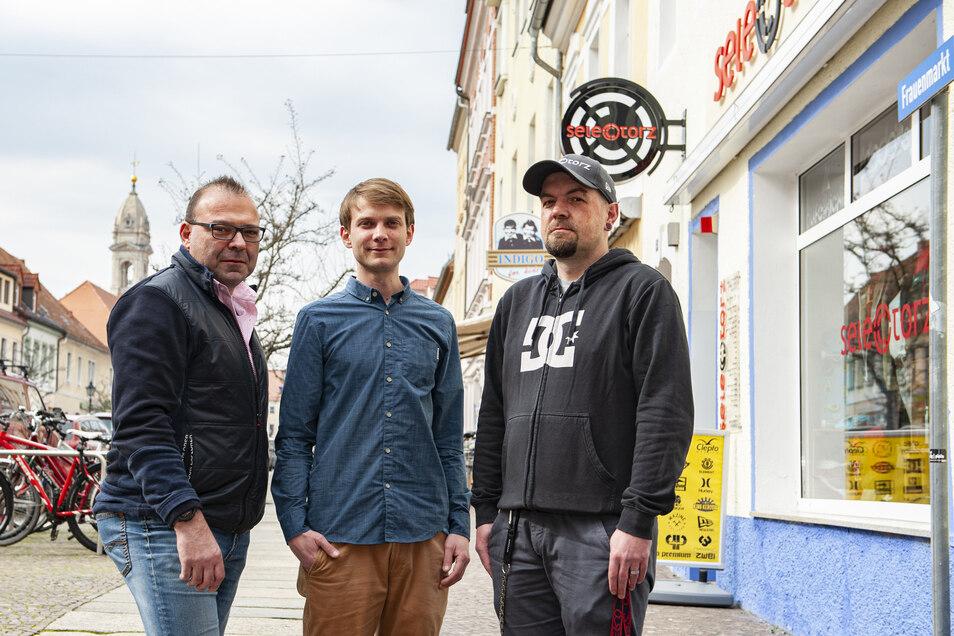 Falk Majok-Bökelmann, Citymanager Alexander Ehrke und Jan Dingfelder hoffen für die Innenstadthändler auf Kundentreue.