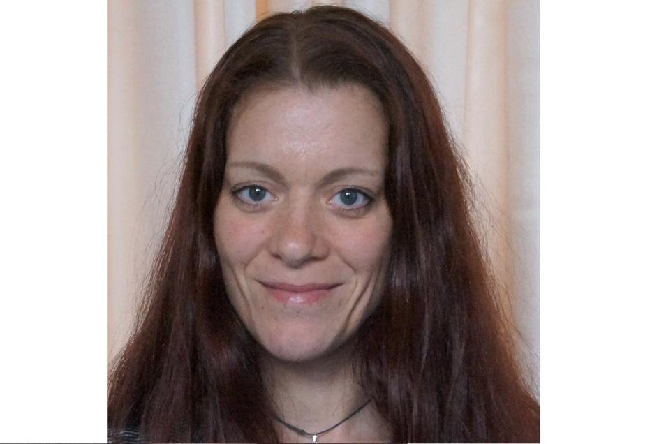 """Petra Kunzendorf (Die Linke) Die 42-jährige Erziehungswissenschaftlerin sitzt seit 2000 im Stadtrat von Stadt Wehlen. Für die Linkspartei sei es wichtig, dass sich die Einwohner wohlfühlen. """"Eine sehr wesentliche Aufgabe sehe ich in der Förderung des Tourismus"""", sagt Petra Kunzendorf. Ein wichtiges Ziel sei auch die Verringerung des Bahnlärms."""