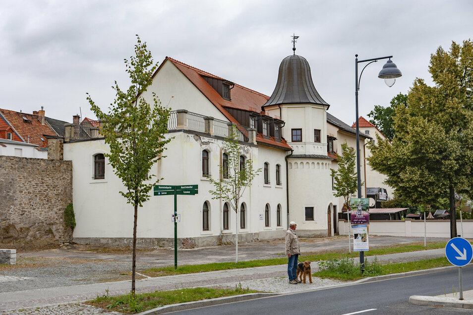 Die Stadt hatte die Alte Kelterei vorm Tag der Sachsen 2014 gekauft. Sie sollte Museum werden. Das ist gescheitert. Jetzt sollen weitere Wirtschaftsräume her.