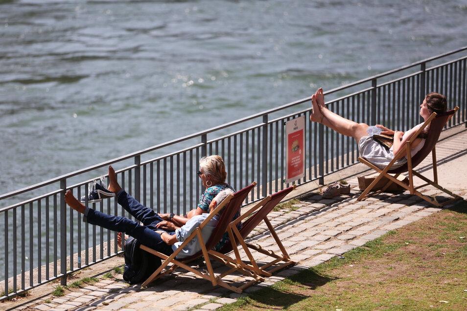Paris erwartet wieder Temperaturen von bis zu 42 Grad. Da wird der Liegestuhl an der Seine schon mal dem Stadtspaziergang vorgezogen.