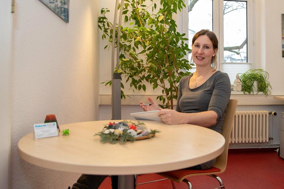 Astrid Richter arbeitet in der der Erziehungs- und Familienberatungsstelle der Diakonie Pirna .