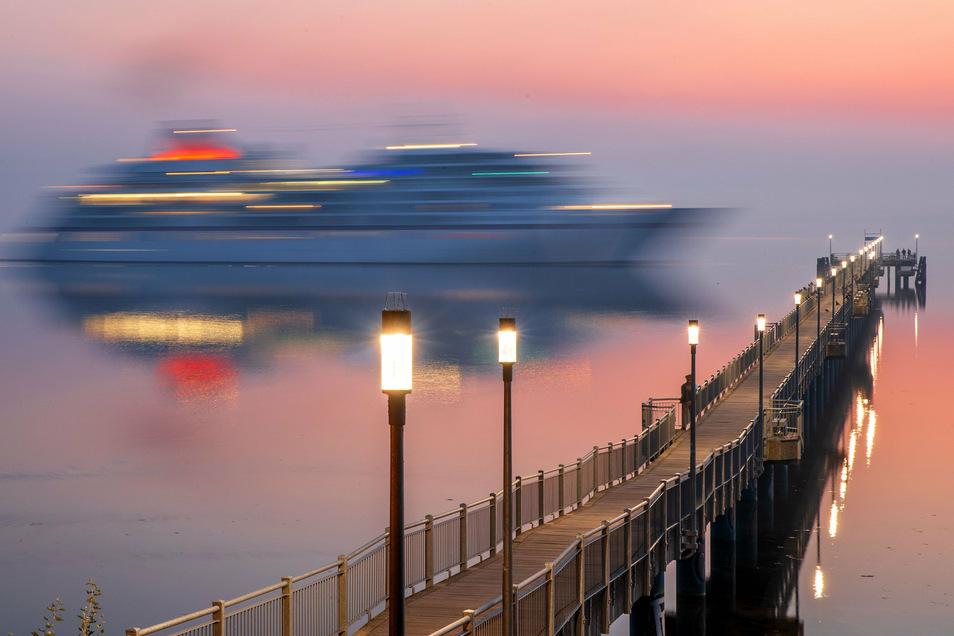 Die Kreuzfahrtbranche fährt derzeit noch mit deutlcih geringeren Kapazitäten als vor der Coronakrise. Landgänge sind jetzt aber wieder möglich.