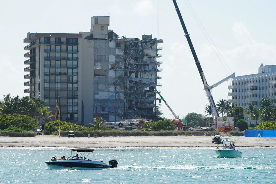 Vor der Sprengung: Blick auf das zusammengebrochene Gebäude in Florida.