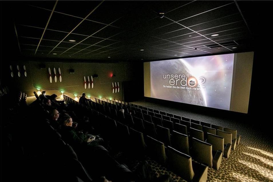 Kurze Testvorführung in einem der neuen Kinosäle.