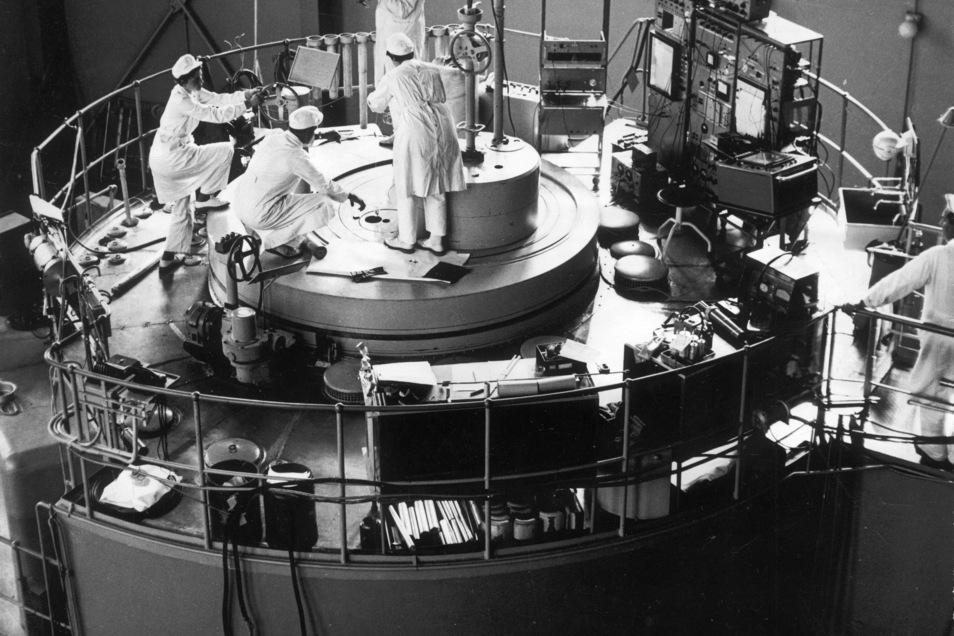 Der Rossendorfer Forschungsreaktor wie er Mitte der 70er Jahre im damaligen Zentralinstitut für Kernforschung existierte.