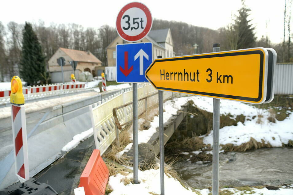 Die desolate Brücke in Rennersdorf wird erneuert.