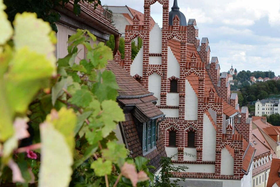 Meißens ältestes Wohnhaus, das Prälatenhaus an den Roten Stufen 3, gehört zu den Zeugnissen historischer Baukultur, die während der Denkmalroute in Augenschein genommen werden..