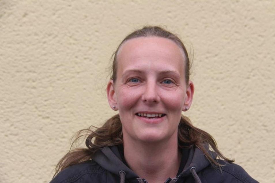 Simone Schieback (37), Hausfrau, Kohlwesa:Es muss endlich was passieren mit dem Viecher-Messi. Dessen Hof müllt immer mehr zu und wir haben unter einer Rattenplage zu leiden. Ein Spielplatz für Kohlwesa wäre schön. Denn wir haben viele Kinder hier. Wünschenswert wäre eine 30er-Zone im Ort.