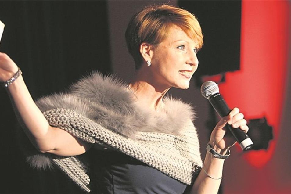 """Moderatorin Beate Werner ist eine echte """"Wiederholungstäterin"""". Sie führte zum inzwischen sechsten Mal äußerst charmant durch den Abend."""
