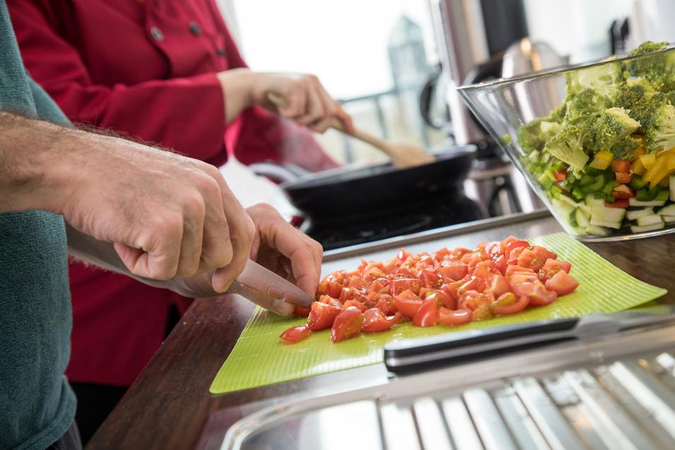 Wenige Kalorien pro Gramm: Tomaten und anderes Gemüse haben eine niedrige Energiedichte.