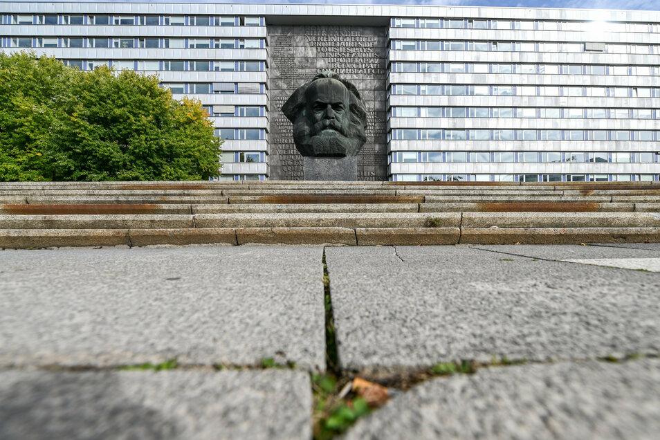 Am Karl-Marx-Monument in Chemnutz fand eine Gedenkveranstaltung zu den Novemberpogromen von 1938 statt. Diese wurde jedoch gestört.
