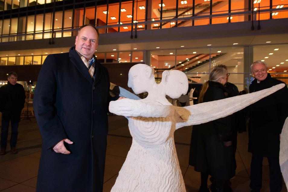 """Auftakt der Kunstaktion """"Rolling Angels"""", OB Hilbert, vor Kulturpalast, Altmarkt, Dresden, Foto: Rene Meinig Honorarfrei für Produkte von Sächsische.de und Sächsischer Zeitung"""