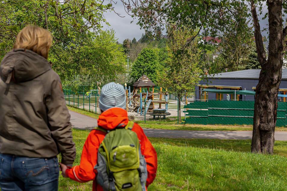 Symbolbild: Eintritt für Eltern und Erziehungsberechtigte gibt es in der Gleisberger Kita nur mit Mundschutz.