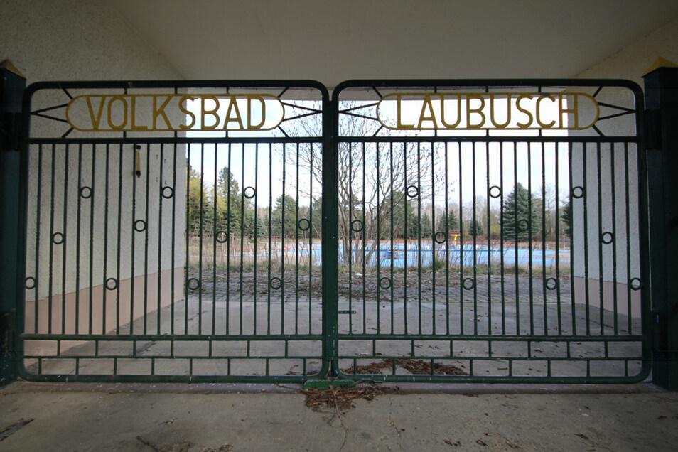 Eingangsbereich zum ehemaligen Freibad in Laubusch.