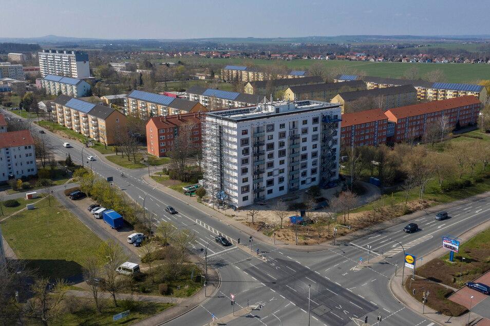 Die Baugerüste sind längst Geschichte: ein Blick auf das Hochhaus Chemnitzer Straße 2 im April 2020.