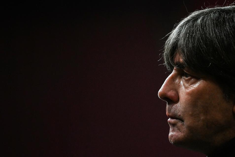 Fußball-Bundestrainer Joachim Löw wehrt sich gegen Vorhaltungen wie Dünnhäutigkeit.