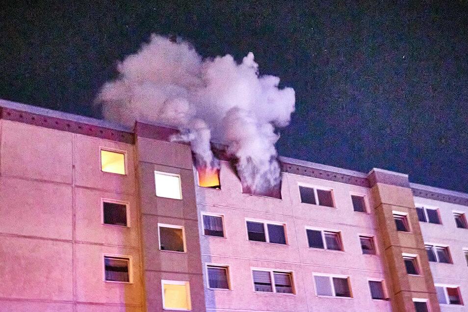 Es dauerte nicht lang, bis sich der Brand auf die ganze Wohnung ausgeweitet hatte.