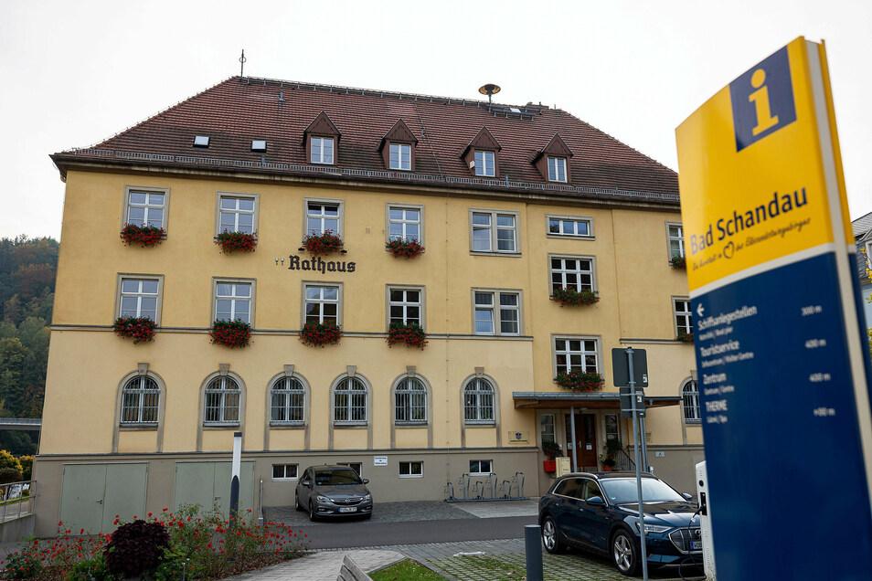 Rathaus Bad Schandau: bald wieder mit Polizeiposten.