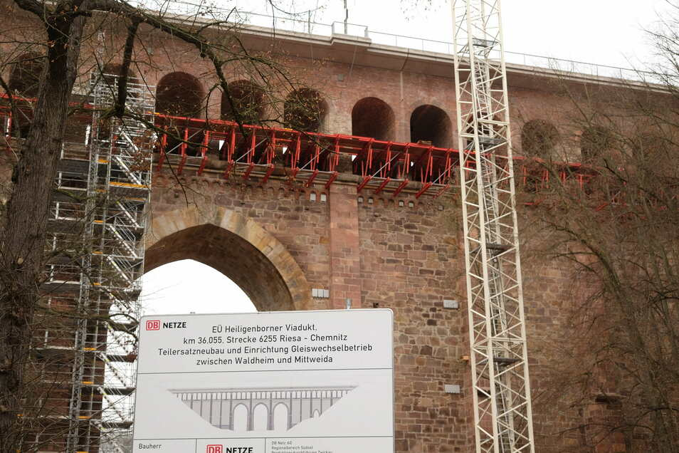 Bei der Sanierung des Heiligenborner Viaduktes hat die DB auch insgesamt 80 Schlafquartiere für Fledermäuse anbringen lassen. Solche Hilfen gab es zumindest an dieser Stelle vorher nicht.